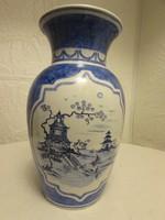 Kinai dekoros kek es feher váza