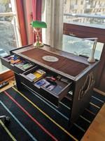 1980 as években iparművészeti  boltban vásárolt iróasztal eredeti állapotban