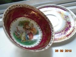 Altwien kézzel festett Meisseni virágmintás,mitologikus jelenetes talpas kávés csésze alátéttel