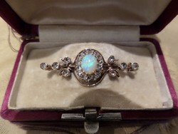 Antik arany bross / kitűző opállal és gyémántokkal