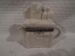 Porcelán - kicsi teáskanna - szekrény alakú szelence - 8 x 8 x 3 cm - régi - hibátlan