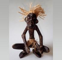 Régi kézi faragású afrikai faragott fa guggoló harcos figura faragás