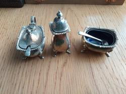 Antik barokk asztali fűszertartó készlet kínáló, kettő kék üveg betéttel és mini kanállal