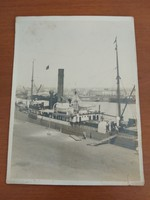 Antik fotó az Adria Magyar Királyi Tengerhajózási RT gőzöséről: Lederer Sándor gőzös (1903-1919)