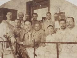 Régi fotó vh. katonai kórházi fénykép katona csoportkép 1915