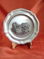 Saválló tányér mintázott ón középpel Villefranche de Rouergue
