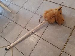 Nyerítő paripa, lovas játék, 97 cm