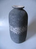 Iparművészeti váza (28,5 cm), jelzett