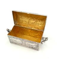 Nagy díszes ezüst aranyozott szelence 64 g
