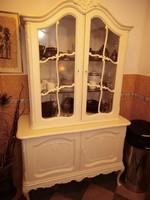 Chippendél barok Warrings törtfehér vitrines tálalószekrény