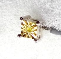 Limitált darabszámú ékszer 925-ös ezüst fülbevaló 0.020 karátos sárga gyémánt drágakővel ékesítve