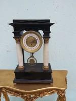 Biedermeier negyedütös asztali vagy kandalló óra 1870 es évek.