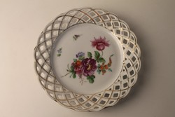 Áttört szélű virág díszes süteményes tányér