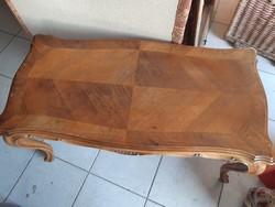 Neobarokk asztal