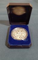 Millecentenárium alkalmából kiadott ezüstérem