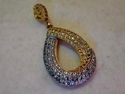 Különleges szép aranyozott ezüstmedál kövekkel