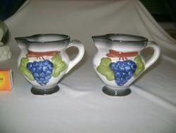 Kerámia kancsó kézzel festett domború szőlő díszítéssel - két darab