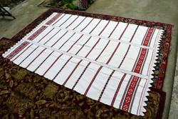 Magyar erdélyi néprajzi kézimunka három szélű vászon terítő ágytakaró abrosz nagy méret