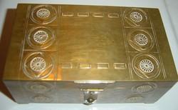 Antik fabetétes réz ékszertartó doboz