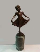 Szoknyás lány  bronz szobor