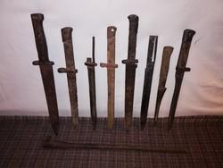 1,-Ft Militáry csomag,bajonettek,kés,stb. egyben