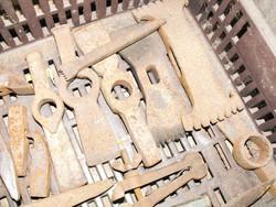 Ritka Antik Kalapács  szerszám 24db gyűjtemény kovácsoltvas acél szobrász kő fejtő kőműves stb