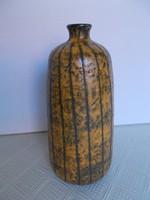 Retro szép formatervezett csíkos kerámia váza