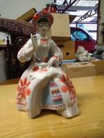 Orosz porcelán varrónő.