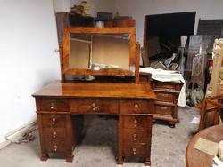 Biedermeier íróasztal fesulkodo asztal
