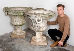 4 darab óriás XIX. századi szobrászbeton virágtartó