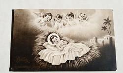 Régi karácsonyi képeslap angyalos Jézus jászolban