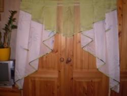 2 db különlegesen szép kész függöny, amit a Bonprix-től rendeltem