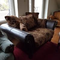 Bőr kanapé 2-es /textil kárpittal kombinálva/