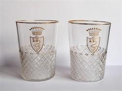 Csiszolt kígyós nemesi címeres üveg poharak