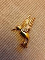 Aranyozott kolibri kitűző, bross