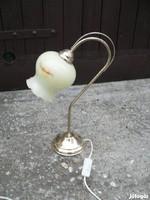 Esztétikus asztali lámpa eladó