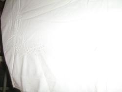 Gyönyörű antik hófehér gépi hímzett lepedő