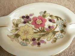 Zsolnay porcelán hamutál