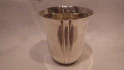 AC jelzéssel ezüstözött pohár