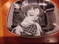 Kèzzel aranyozott hollóhàzi porcelán