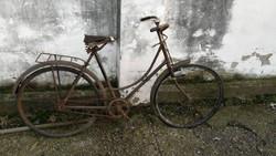 Veterán kerékpár I. Alkatrésznek ,teljes felújítást igényel.