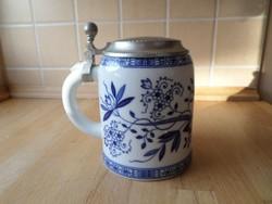Hutschenreuther Bavaria hagymamintás fedeles porcelán söröskorsó  7 dl