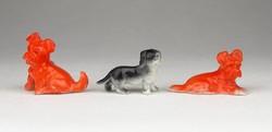 0Y992 Régi miniatűr porcelán kutya 3 darab