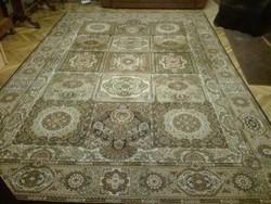 Nagyméretű gépi perzsa szőnyeg, kazettás
