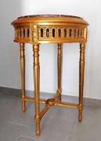 Klasszicista asztal márványlappal