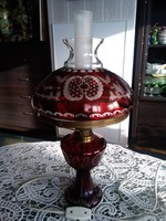 Kézzel csiszolt bíborvörös színű asztali lüszter lámpa a Monarhiából!