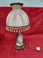 Csodálatos asztali lámpa porcelán barokk hölgyel.