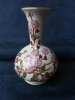 Zsolnay, barackvirág mintás, dúsan aranyozott, jelzett, sorszámozott váza. Hibátlan.