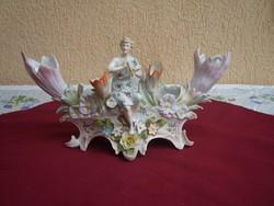 Egy gyönyörű antik Figurás asztalközép kínáló