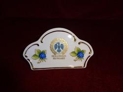 Hollóházi porcelán relikvia, 10,5 cm széles és 6 cm magas.